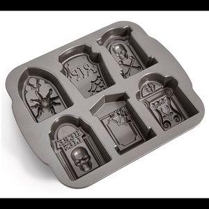 Martha Stewart Halloween Assorted Tombstone Pan